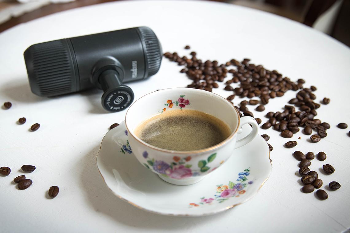 Kávovar, ktorý by mal mať každý cestovateľ – kávičkár